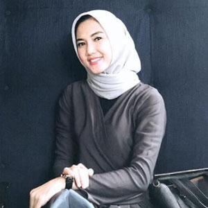 Vocal Teacher - Nera Kurnia